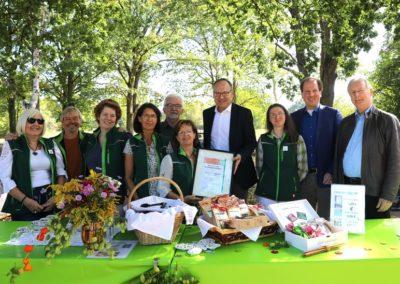 Das Kräutergarten-Team mit Unterstützer